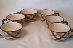Metlox-Butterscotch-coffee-cups
