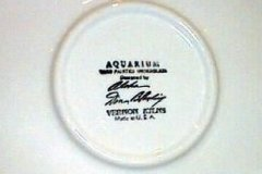 aquarium_17_inch_chop_plate_backstamp