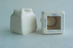 bird_pottery_bridal_satin_candleholders_bottom_view_and_backstamp