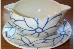 bird_pottery_multi_flori_flori_in_blue_sauce_boat_with_faststand_2