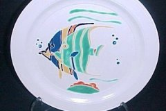 bird_pottery_tropical_fish_dinner_plate