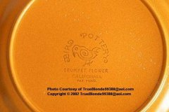 bird_pottery_trumpet_flower_dinner_plate_backstamp
