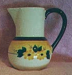 brown_eyed_susan_1_pint_bulb_bottom_jug_pitcher
