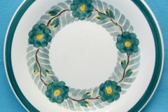 lunning_floral_wreath_14-inch_chop_plate_in_green_yellow_and_gray