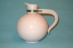 modern_california_coffee_carafe_in_orchid_pink