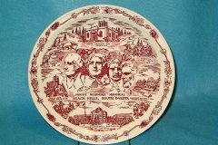 mount_rushmore_commemorative_in_maroon