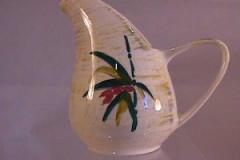 shadow_leaf_one_quarter_pint_streamline_pitcher