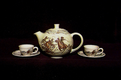 winchester_73_teapot_and_demi_cups_and_saucers
